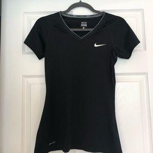 NIKE PRO DRI-FIT short sleeved shirt in black. S